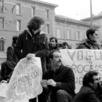 Sit-in davanti al Tribunale